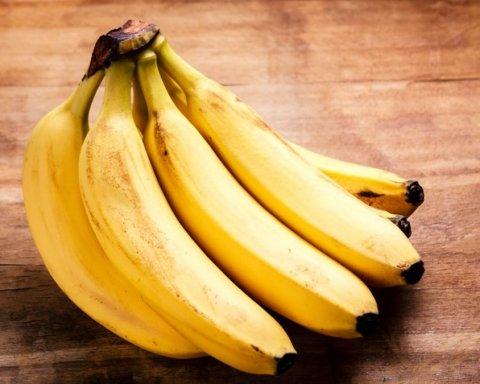 Кому и почему стоит есть бананы ежедневно