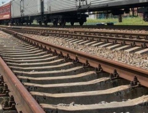 Поезд на полной скорости «снес» парня в наушниках в Броварах