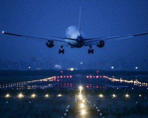 Пассажир в туалете стал причиной экстренной посадки самолета в Одессе