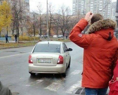 У Києві серед білого дня зухвало викрали жінку