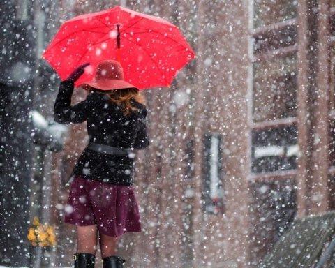 Сніг та дощі: яка погода очікує на українців з понеділка