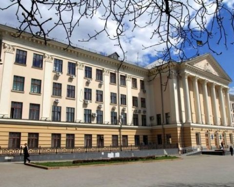 Городской совет Запорожья проверяют силовики