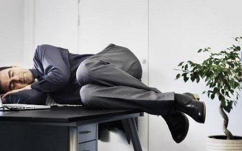 Медики назвали причины утренней усталости