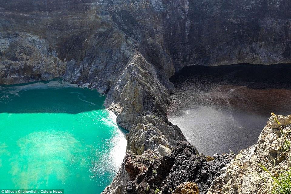 Як виглядають озера, які протягом дня змінюють колір води (фото)
