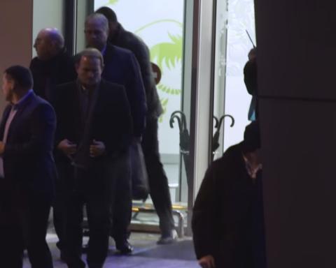 »Титушки» Медведчука избили журналистов в киевском аэропорту