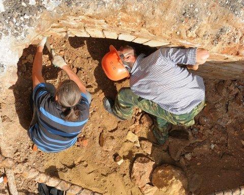 Девять удивительных вещей, которые выкопали из-под земли (видео)