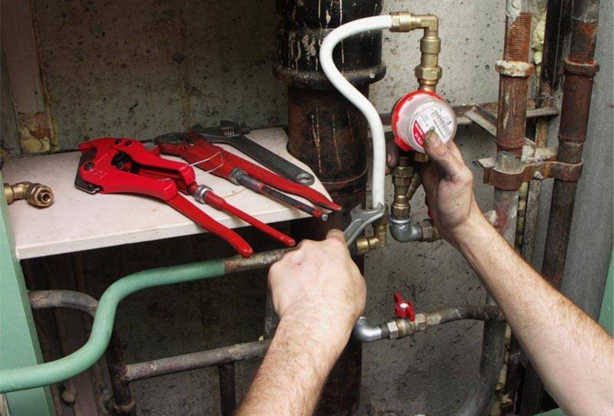 Частині киян безкоштовно встановлять лічильники на воду: хто буде першим і що потрібно знати