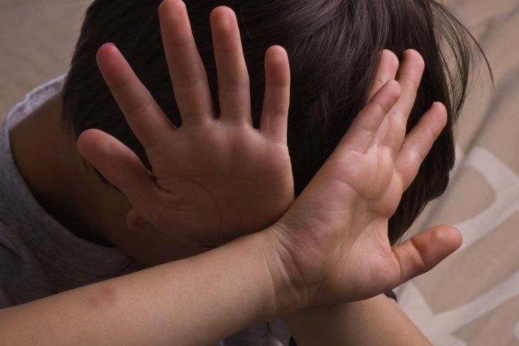 Изнасиловали ради денег: под Харьковом школьники жестоко поиздевались над мальчиком