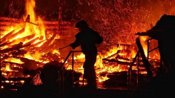 """Пожежа у таборі """"Вікторія"""": батьки загиблих дітей шоковані і готують акцію протесту"""