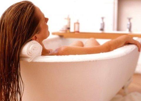 Горячая ванна перед сном: 5 причин, почему она так полезна зимой