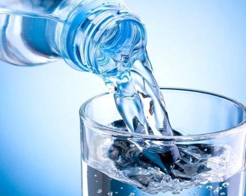 Как быстро очистить организм обычной водой