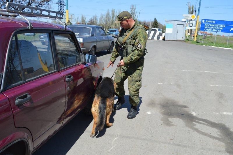 Наблокпосту наДонеччині затримали «заступника командира розвідроти «ДНР»