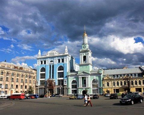 Сильна спека, але з дощами: якою буде погода у Києві