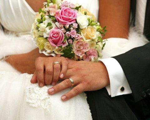 Ще одне розкішне весілля за участю VIP-політиків приголомшило українців