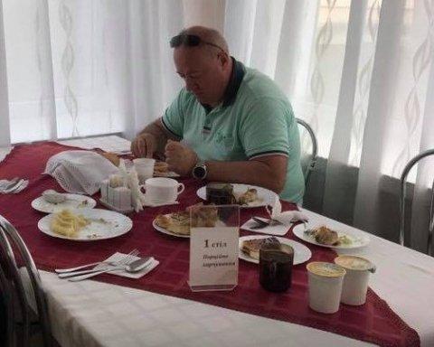 Відпочинок на мільйони: на яких курортах полюбляють засмагати народні обранці (відео)