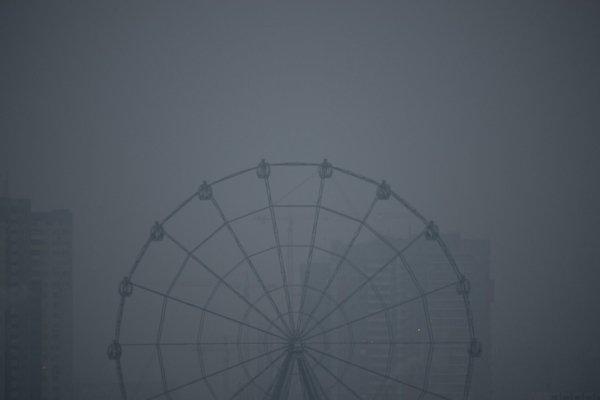 Суровый апокалипсис: город в России полностью накрыло смогом (фото)