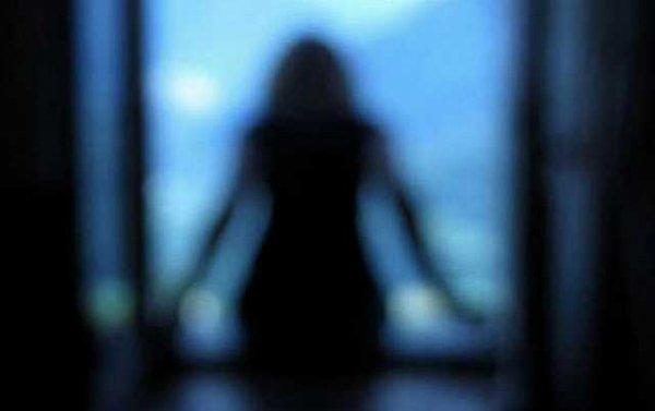 УКиєві 14-річна дівчина викинулася з5-го поверху через планшет