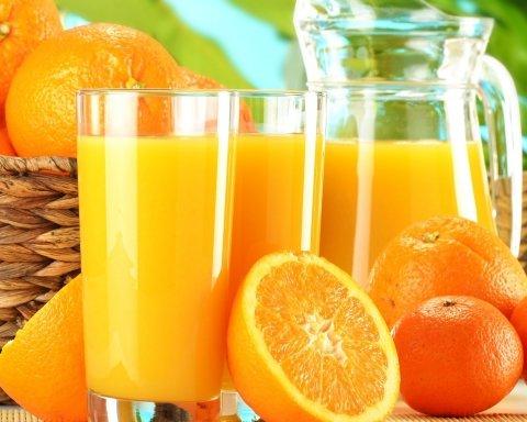 Любителям фастфудів рекомендують пити апельсиновий сік
