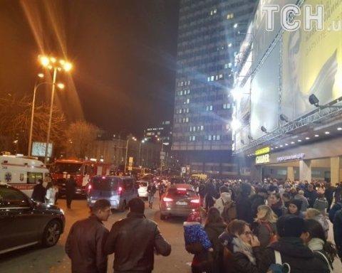 У Києві й Харкові закрили вокзали, станції метро і ТРЦ через повідомлення про замінування (фото)