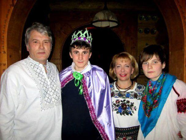 Украинцам показали роскошное имущество Ющенко (видео)