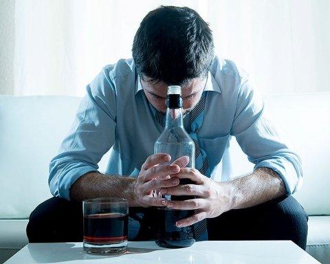 Первые симптомы алкоголизма: что следует знать об опасной болезни