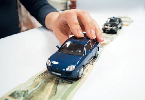 С каких автомобилей придется платить налог: водителям объяснили