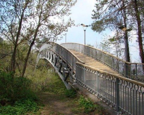 Мужчина покончил жизнь на мосту Любовь