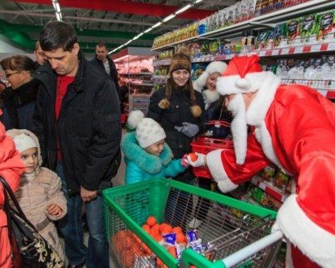 Праздники приближаются. Огромные очереди в столичных супермаркетах