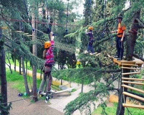 На радість киянам на Троєщині збудують мотузковий парк