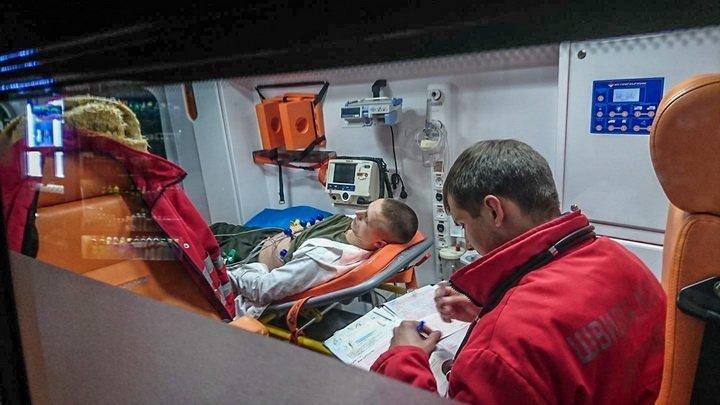 Солдат почетного караула упал вобморок перед Порошенко