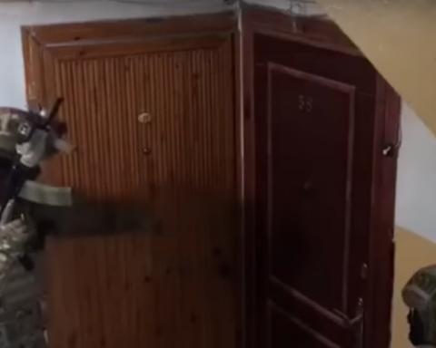 Задержана судья, которая оформляла на боевиков жилье переселенцев