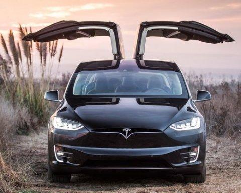 Знамениту в Україні Tesla виставили на продаж