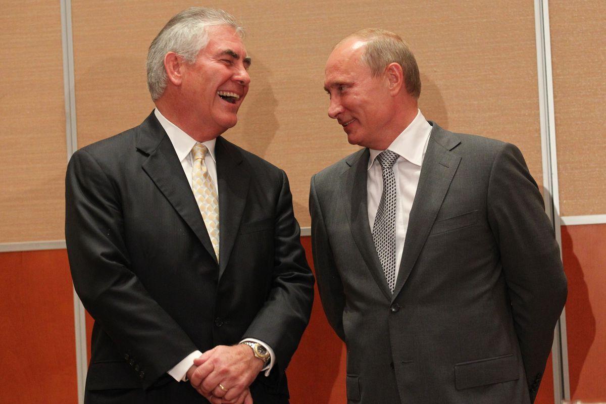 Конфлікт на Донбасі: Тіллерсон зробив нову заяву щодо діалогу Росії з НАТО
