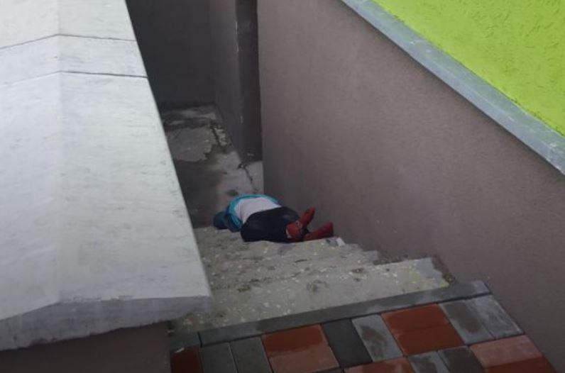 УКиєві 80-річна бабця викинулася з вікна