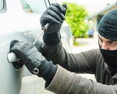Як вберегти авто від крадіжки: прості правила