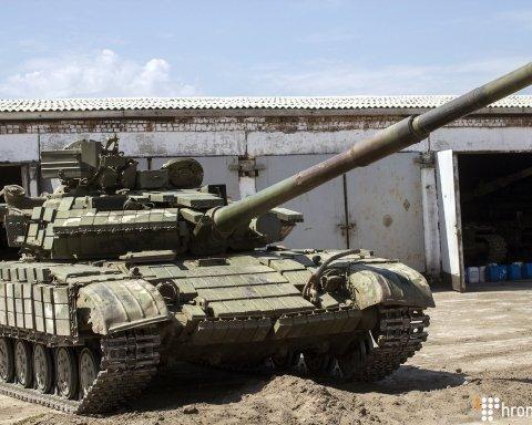 Украинские танкисты показали, как «наступают» на Донбассе: яркое видео