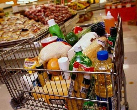 Стало відомо скільки українці витрачають на їжу