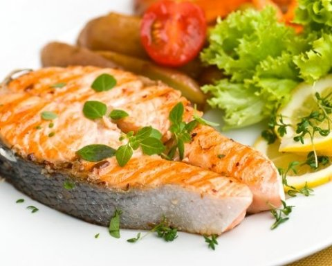 Чем опасна красная рыба из супермаркетов: нашлось объяснение