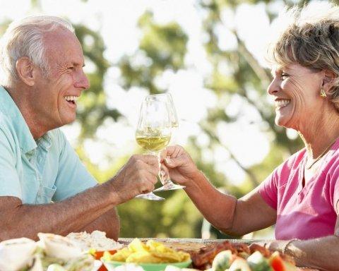 Вчені розвінчали головний міф про долголіття