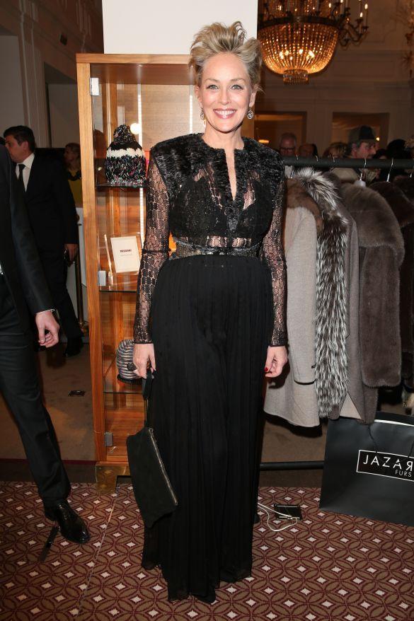 Актриса Шерон Стоун пережила удар блискавки: що відомо про її стан