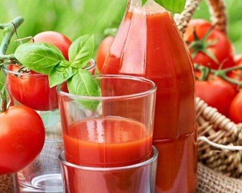 Кому і чому варто часто пити томатний сік