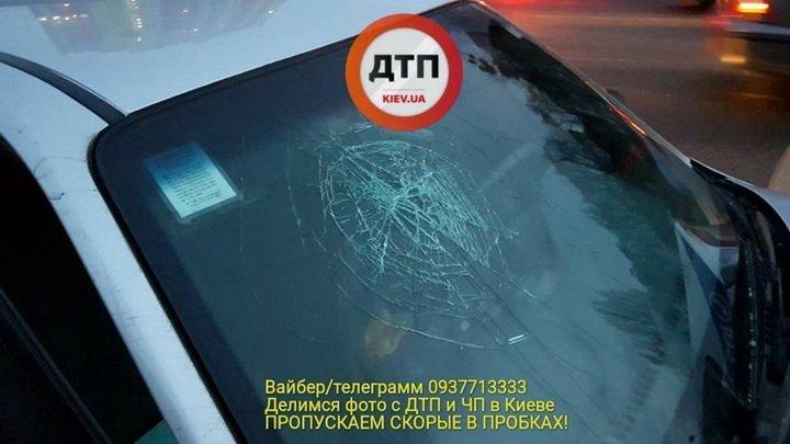 Скорость, наркотики и «евробляхи»: таксист в Киеве разбил авто патрульних