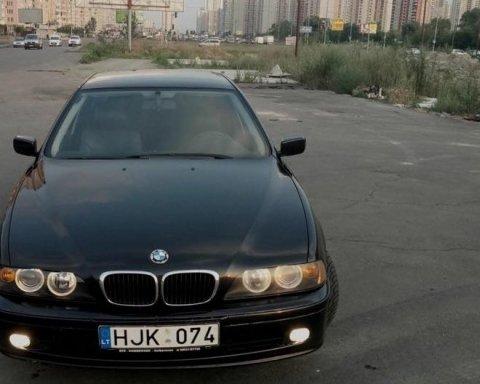 Ловкий киевлянин угнал авто в момент его покупки
