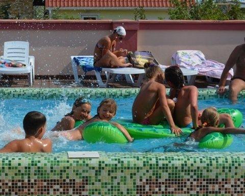 Жуткий случай: ребенок утонул в школьном бассейне