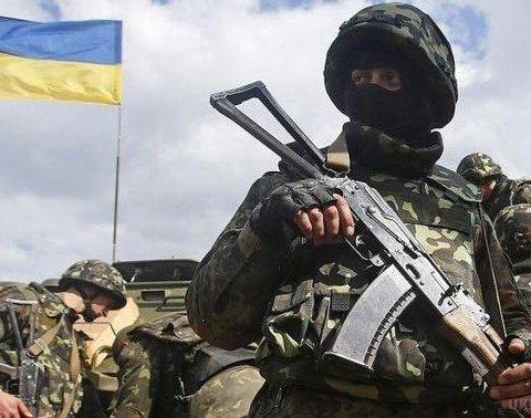 Украинские бойцы уничтожили позицию боевиков на Донбассе: видео с высоты птичьего полета