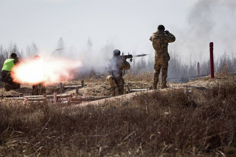 Ситуация на Донбассе: террористы устроили обстрел у Водяного и Песков