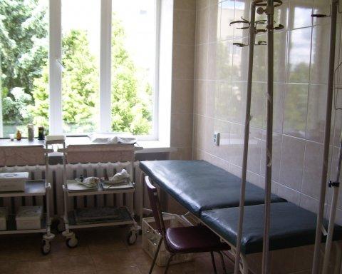 Скандал у Дніпрі: лікарі відмовились рятувати чоловіка з розірваною рукою