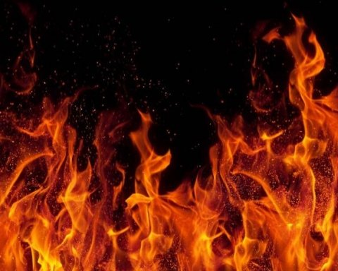 Жуткий пожар в Одессе: ресторан сгорел дотла