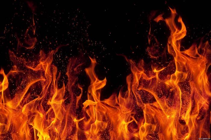 Пожар в лагере ромов: несколько домов сожгли преднамеренно
