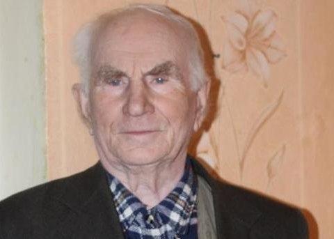 Зворушливий подарунок: пенсіонер з Донбасу подарував квартиру сироті